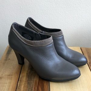 Anne Klein Booties iFlex Gray Women's 6.5M EUC